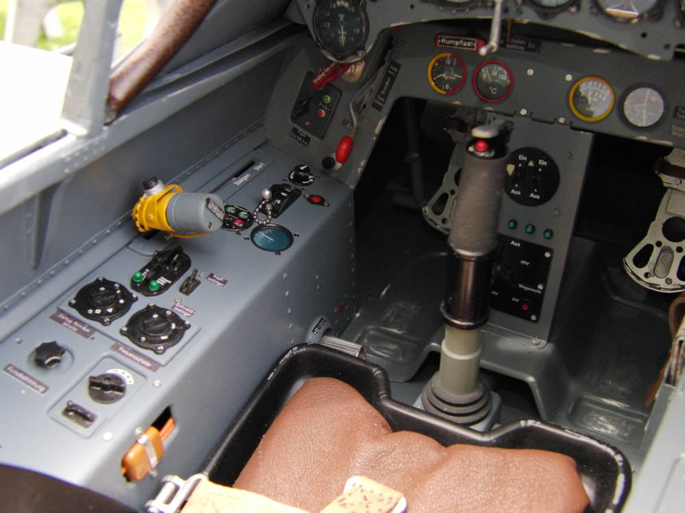 Scale-Cockpit_Warbird-FW-190A8